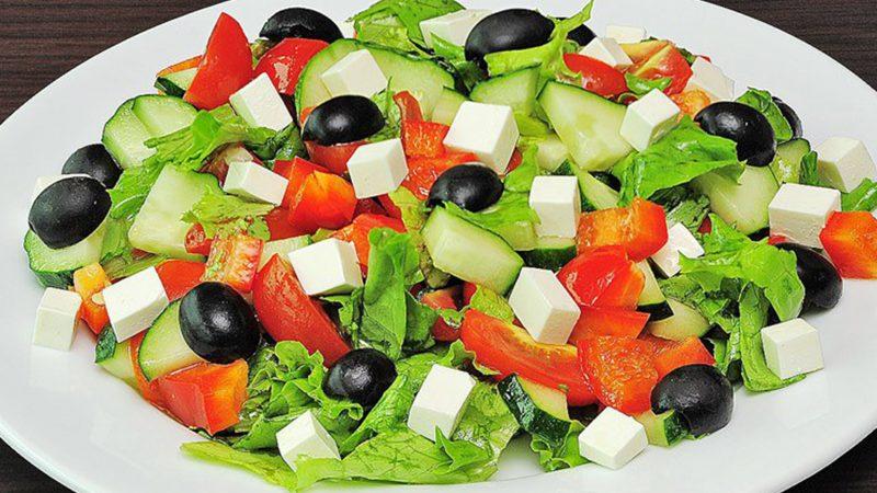 Состав продуктов и количество калорий в греческом салате